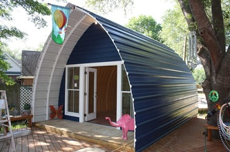 arched cabin photo